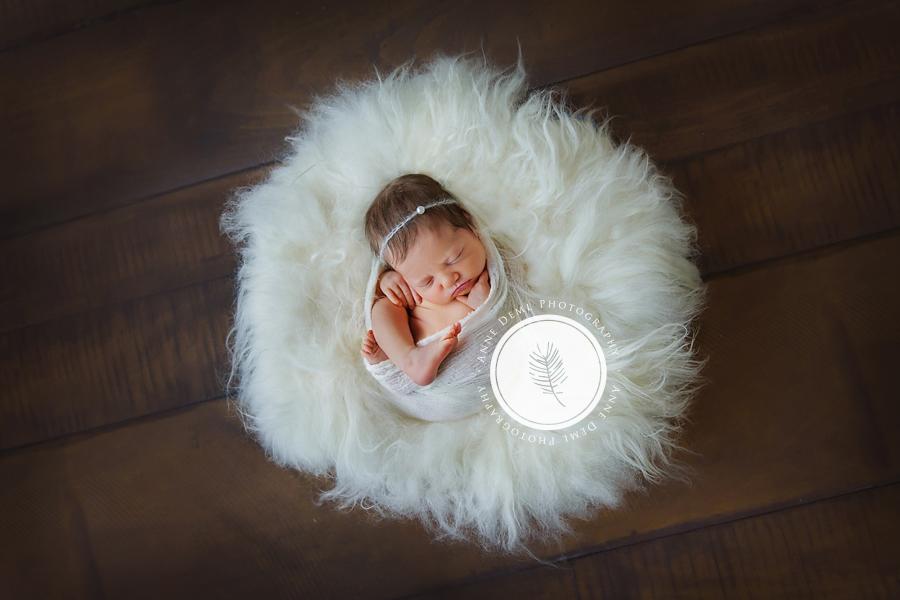 einzigartige_babyerinnerungen_neugeborenenshooting_babyfotograf_anne_deml_fotostudio_muenchen_ingolstadt_geburt_krankenhaus_hebamme_charlotta_11