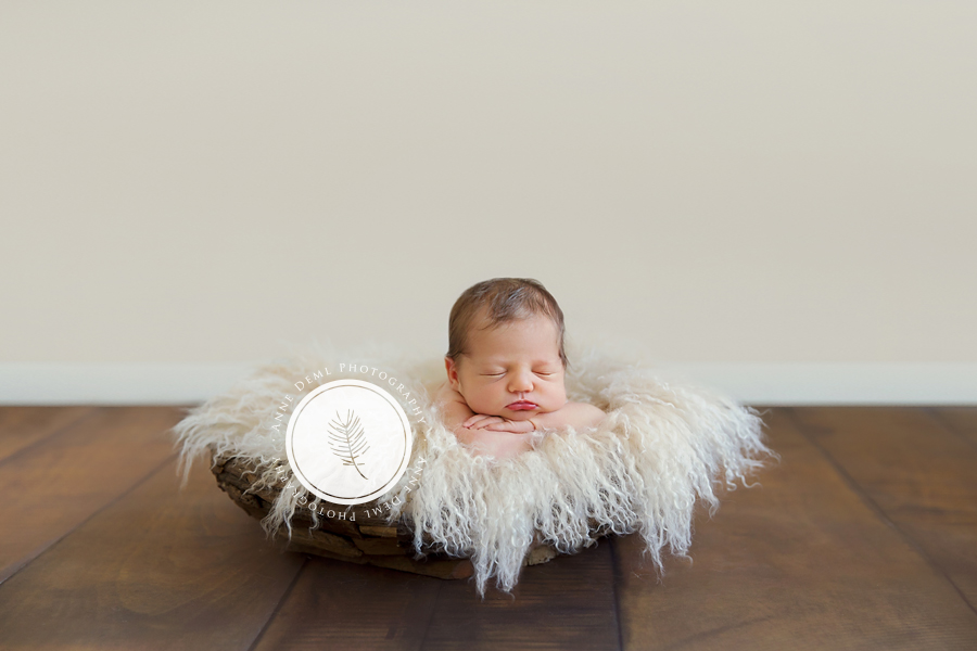 einzigartige_babyerinnerungen_neugeborenenshooting_babyfotograf_anne_deml_fotostudio_muenchen_ingolstadt_geburt_krankenhaus_hebamme_charlotta_13