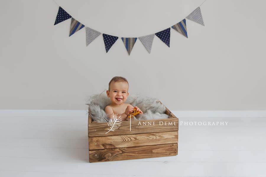 fotostudio_babyfotografie_babyfotos_niedlich_suess_baby_muenchen_ingolstadt_freising_ungestellte_natuerliche_babybilder_leon_13