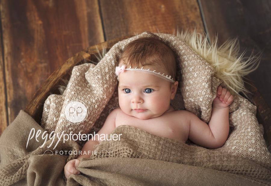Babyfotograf Bamberg, Babyfotos in Würzburg, Babyfotografie nach amerikanischem Stil in Erlangen
