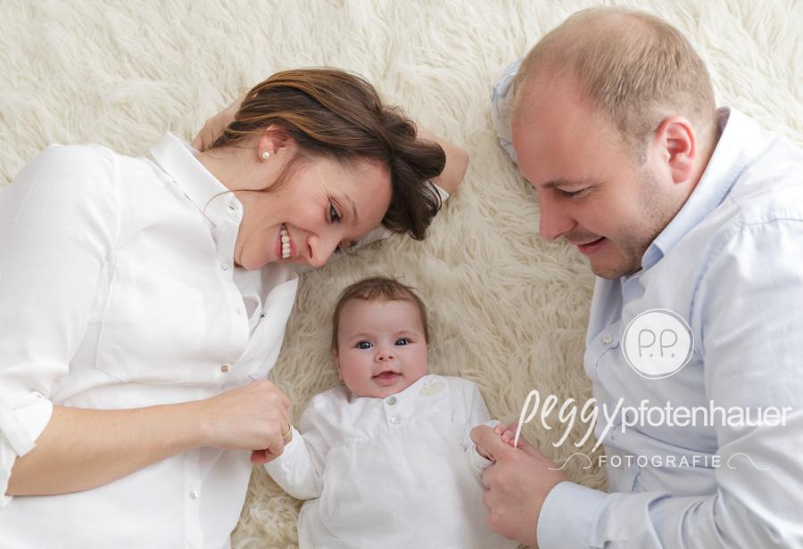 natürliche Familienfotos Bamberg, Familienfotografie Bayern, moderne Familienportraits Bayern, Familienfotograf Erlangen