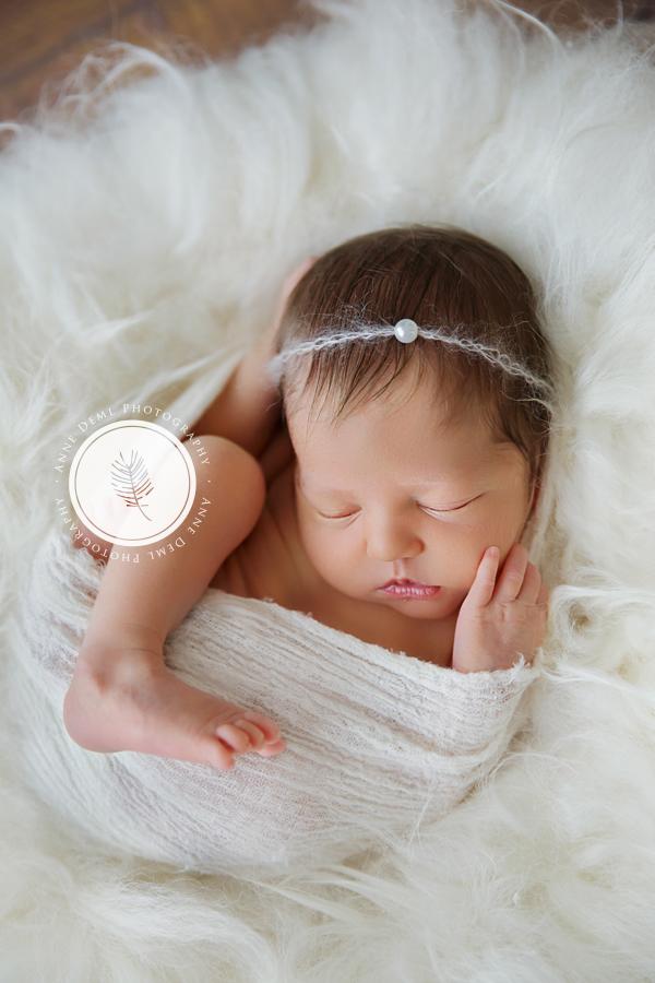babyfotografin_anne_deml_niedliche_neugeborenenfotos_krankenhaus_muenchen_anne_deml_fotografie_geburt_ingolstadt_freising_charlotta_20