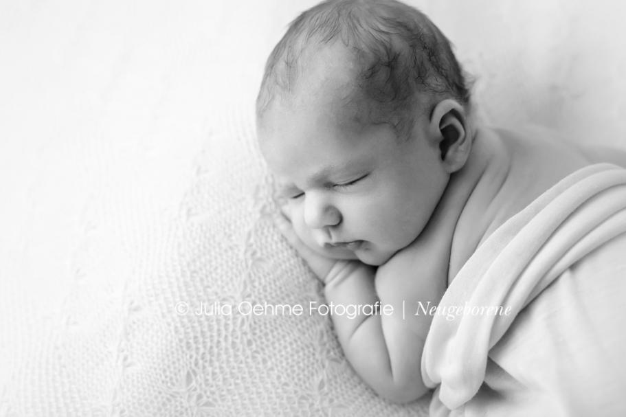 julia oehme neugeborenenfotos natürlich babyfotos mädchen baby