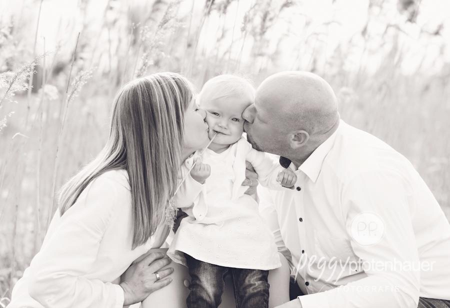 natuerliche-familienfotos-bamberg-ungestellte-familienportraits