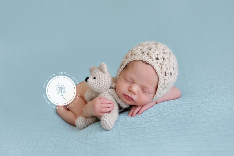 besondere_babyfotografie_muenchen_babyfotograf_anne_deml_niedliche_babyfotos_neugeborenenbilder_muenchen_fotostudio_babyzimmer_einzigartige_10