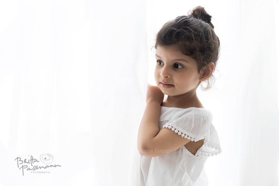 Britta-Passmann-Kinderfotos-Fotostudio-Dortmund-pure-white