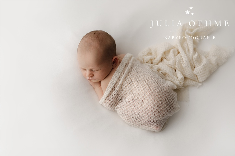 schlafendes neugeborenes fotoshooting julia oehme